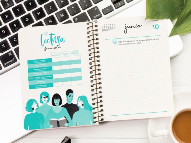 El interior de las agendas de la nueva papelería de Animosa hará que cada página te aporte un extra de energía: herramienta de gestión de enfados, de control de gastos, calendario mensatrual, recomendaciones de cine y libros con mucho poder femenino...